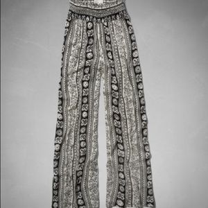 Abercrombie & Fitch wide leg lounge pant